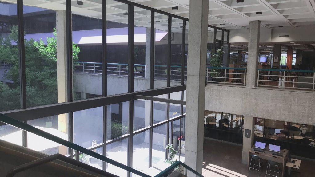 カリフォルニア州立工科大学の図書館