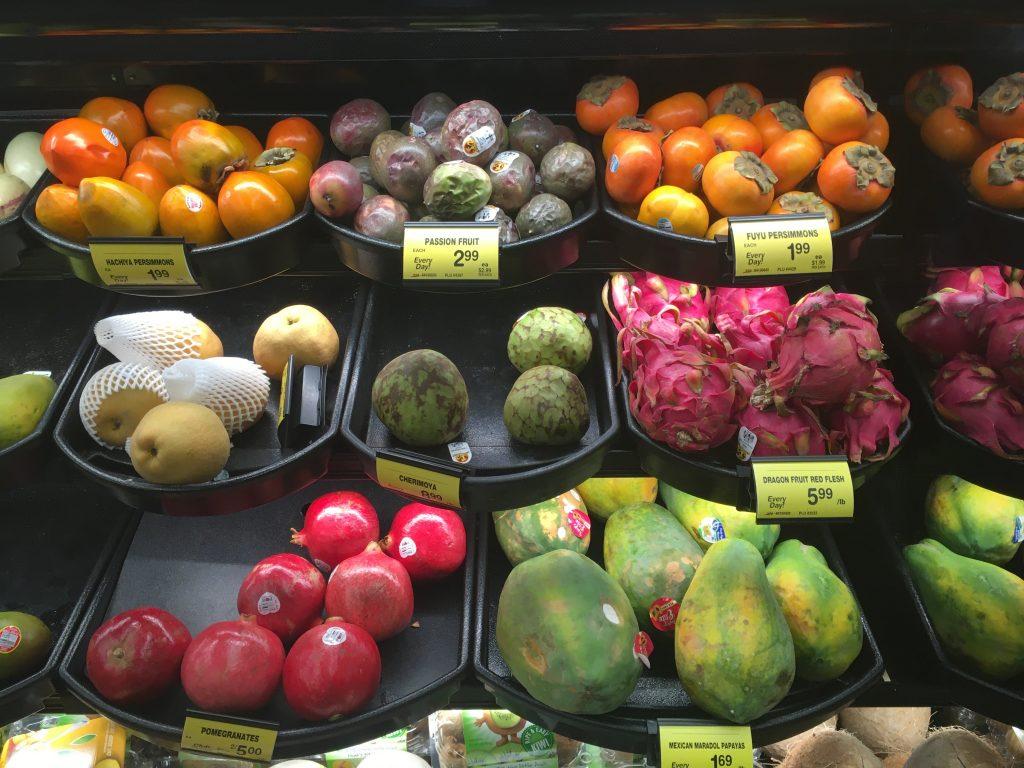 アメリカのスーパーで売られている果物